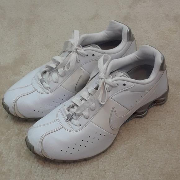 Zapatos Nike 10 Shox Zapatillas Poshmark 10 Nike Blanco Running Track d9c3e8
